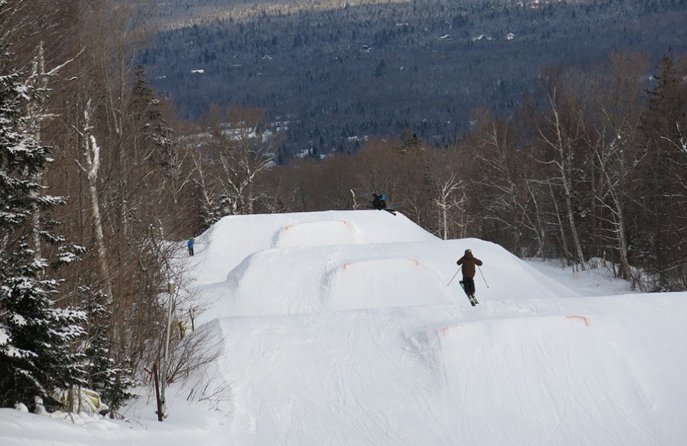 sugarloaf_jumps_christmas_snowboarding