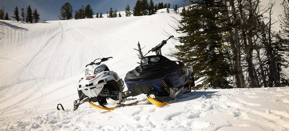 snowmobiles-on-mt-adams