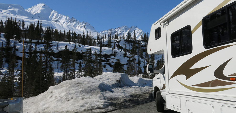 RV pull out on Thompson Pass